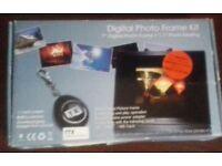 "7"" Digital Photo Frame + 1.1"" Digital Keyring"