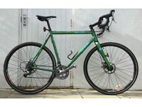 Genesis Vapour disc 2013 bike. Up-graded gears, smooth ride, great all rounder