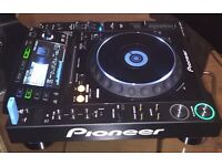 2 CDJ's 2000 pioneer multiplayer