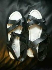 Lady's sandles