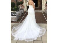 Absolutely stunning lace wedding dress