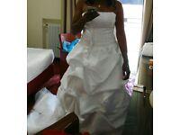 Stunning Wedding Dress for sale