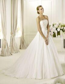 Pronovias Delta beautiful wedding dress, size 10