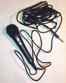 MICROPHONE - HIGH QUALITY PROFESSIONAL DYNAMIC MICROPHONE