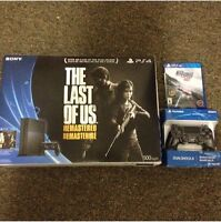 BRAND NEW PS4 +2 GAMES + 2 CONTROLLERS