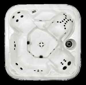 80x80x35 hot tubs 45jets,2 jet pumps,led light,warranty