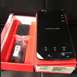 NEW MOTO Z2 PLAY  32GB 64GB NEUF DÉBLOQUÉ UNLOCKED CELL PHONE
