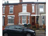 CV5 Earlsdon 4 larged D bedroom House, near CC, UNi, High St, Train