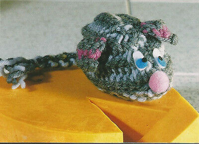 Crochet Pattern ~ KITTY CAT MOUSE TOY ~ Instructions