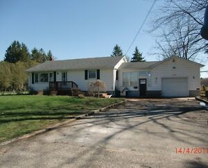 EDGE OF TOWN HOUSE FOR SALE, AYLMER