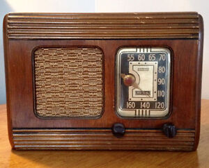 Antique Radio RCA Victor MASTER NIPPER Early 1940's Stratford Kitchener Area image 1