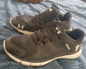 Under Armour micro G Limitless shoes