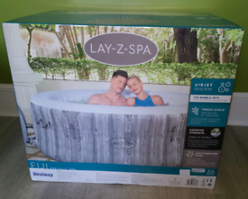 Brand new Fiji Spa 4 person - Brand new and sealed
