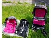 Lightweight Graco travel system (pushchair, car seat, base, changing bag, footm)