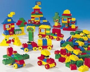 Lego Duplo Educational Town Set - 208 pieces - new in box