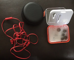 JBL headphones with case used once sanitized and extra ear piece Strathcona County Edmonton Area image 2