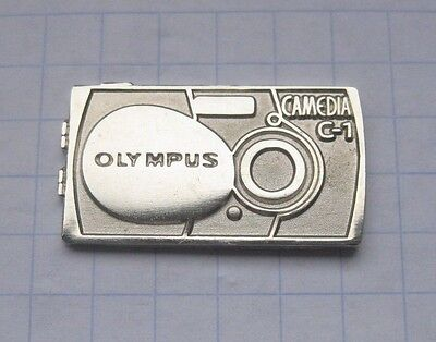 Olympus Pins (OLYMPUS  /  KAMERA / C-1   ................................. Foto-Pin (102b))
