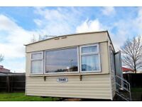 Caravan to hire - 3 bed - Sleeps up to 8 - affordable holiday - Clacton