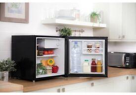Russell Hobbs table top larder fridge