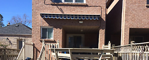 Retractable Awning - Excellent Condition!