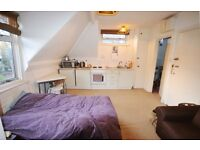 Studio To Rent Near Chiswick High Road With Parking
