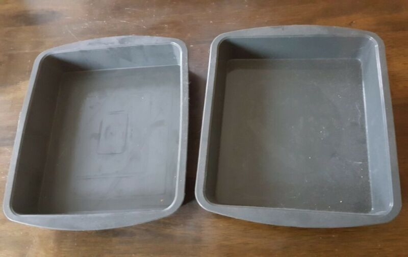 2 Flexible Silicone Square Baking Pans Trays apr. 23 cm grey, used for sale  Woking, Surrey
