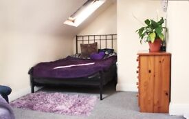 *Bright DOUBLE BEDROOM (LOFT) for Rent in South Harrow / Rayners Lane (London)