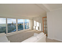 Stunning 2 bed flat with panoramic seaviews, lounge with balcony, walk-in condition, parking.