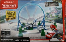 Nintendo loop motorized track set
