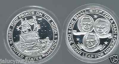 APOLLO 11~FIRST MAN ON THE MOON~ UNITED STATES OF AMERICA SILVER MEDALLION