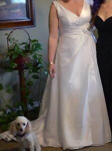 Beautiful Venus Wedding Dress Peterborough Peterborough Area image 2