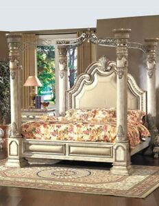 5 piece luxurious Royal Bed set 9/10 condition   free mattress