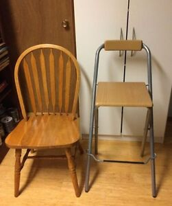 Pub table ($75) & 4 folding tall chairs ($75) or $125 for all