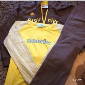 Brownie outfit in excellent condition