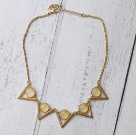 NEW Atmosphere Gold Geometric Gemstone Spiky Statement Short Necklace New without tags