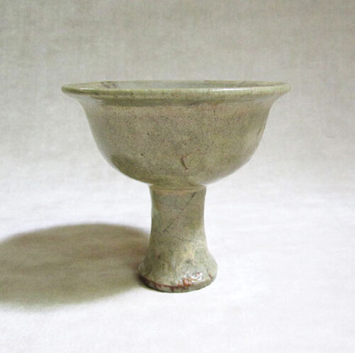 ANTIQUE CHINESE CELADON GLAZED CERAMIC STEM-CUP, Yuan Dynasty, 1279-1368 A.D.