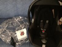 Preowned: Maxi Cosi Car Seat with Infant Insert and Raincover