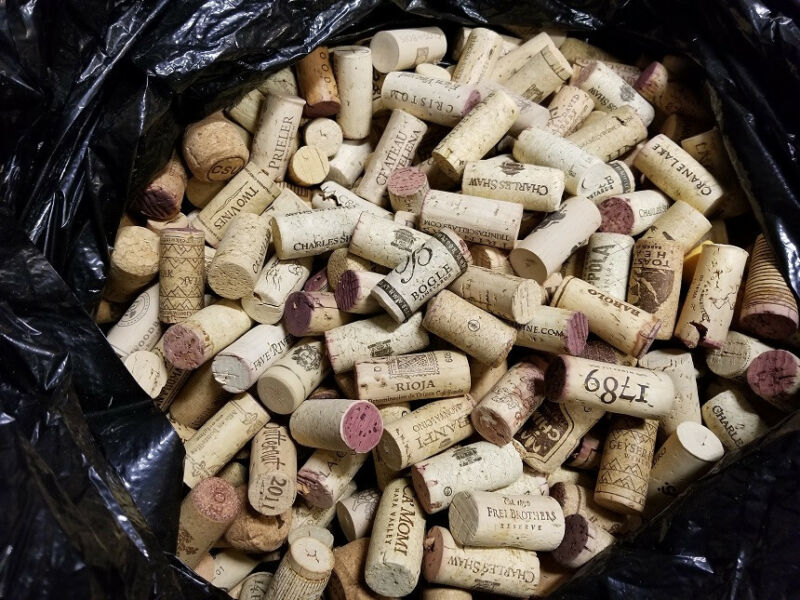 Used Wine Corks 5000 to 6500 corks Great  Condition!
