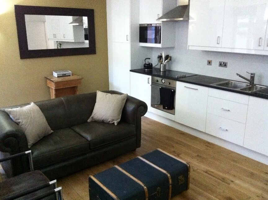 STUDIO IN WEST READING SUITABLE FOR WORKING PERSON ONLY-RENT INCLUDES ALL BILLS, TV INCLUDED
