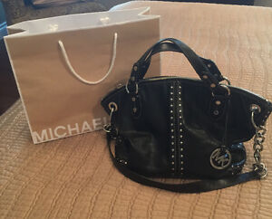 Michael kors leather handbag Windsor Region Ontario image 1