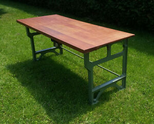 Table avec base en fonte industriel  antique vintage