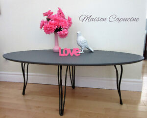 Vintage oval coffee table with hairpin legs