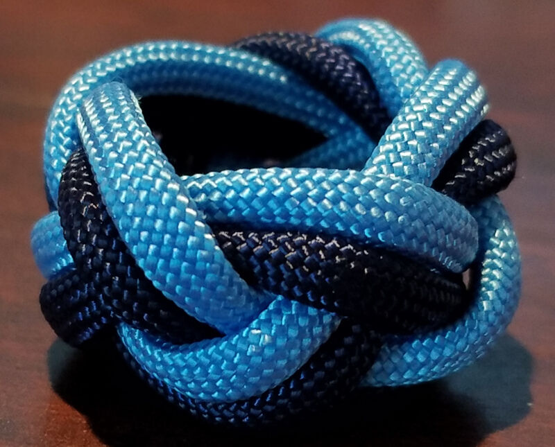 Paracord Neckerchief Woggle Slide - BLUE/LT BLUE - BEAR SCOUT - Cub Scout Sized!