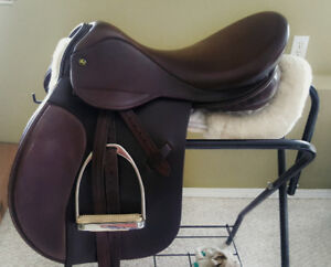 """18"""" English saddle - made in UK. Excellent condition."""