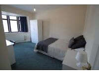 Elegant and Spacious Double room available Now