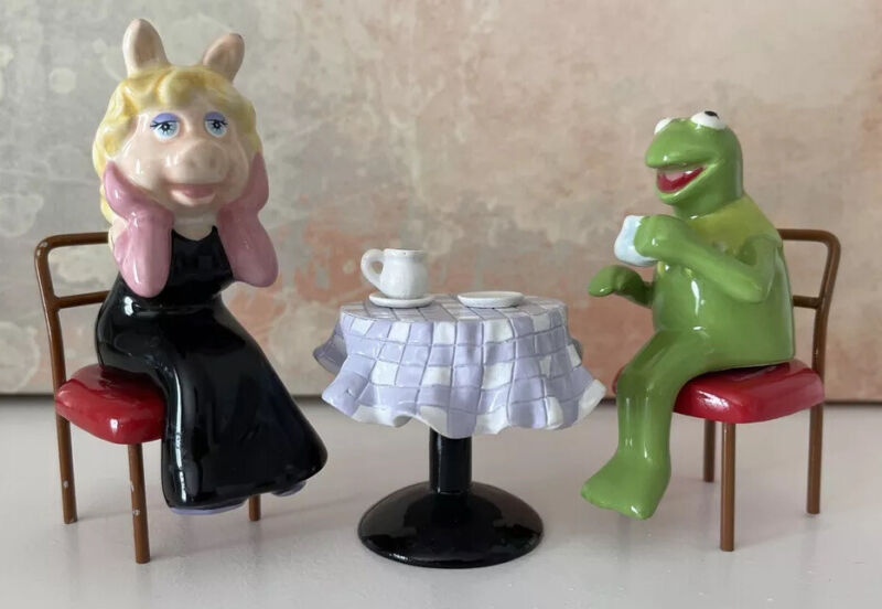 Muppets Coffee Date with Kermit & Miss Piggy Salt and Pepper Shakers