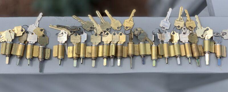Arrow KIK Cylinders Each With 2 Keys..20 Pieces