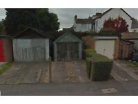 Small wooden garage with drive to rent