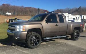 2008 Chevrolet Silverado 1500 LT 4' LIFT, BRAND NEW WHEEL & TIRE