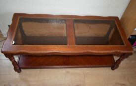 Coffee table (2 levels)